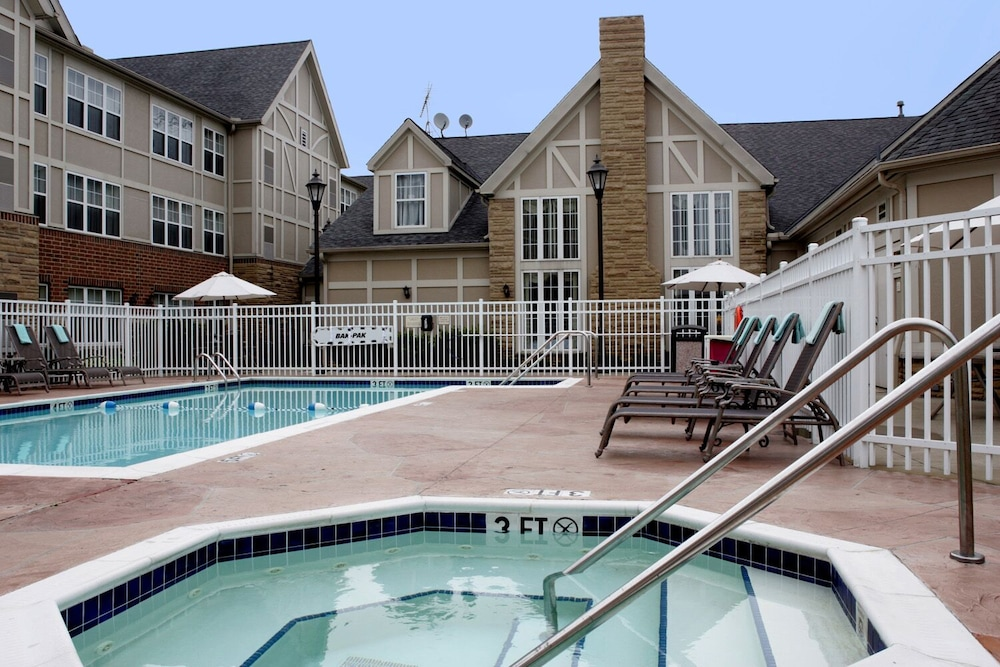 Outdoor Pool, Residence Inn By Marriott Cleveland Mentor