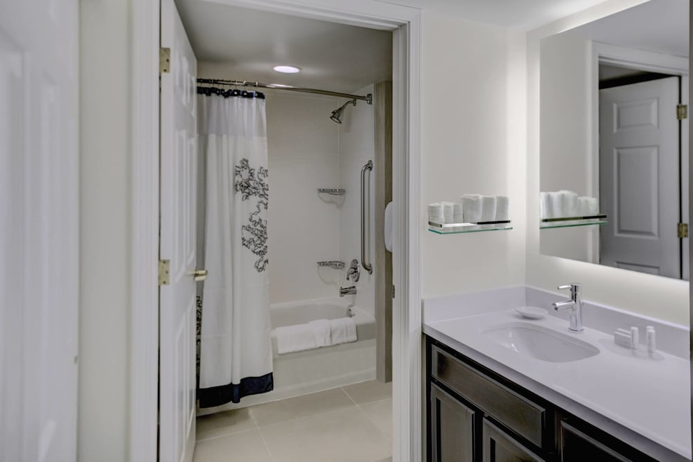 Bathroom, Residence Inn By Marriott Cleveland Mentor