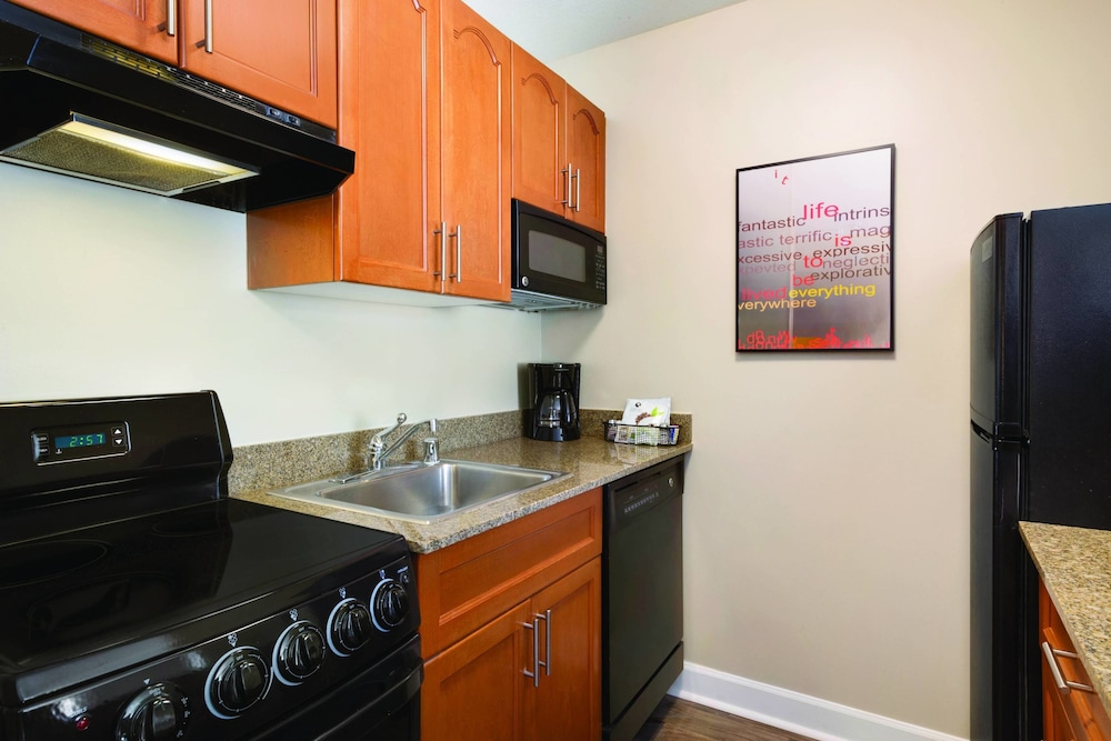 Private Kitchen, TownePlace Suites By Marriott Denver Downtown