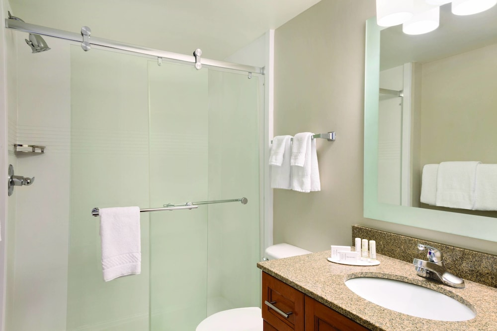 Bathroom, TownePlace Suites By Marriott Denver Downtown