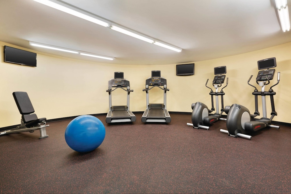 Fitness Facility, TownePlace Suites By Marriott Denver Downtown