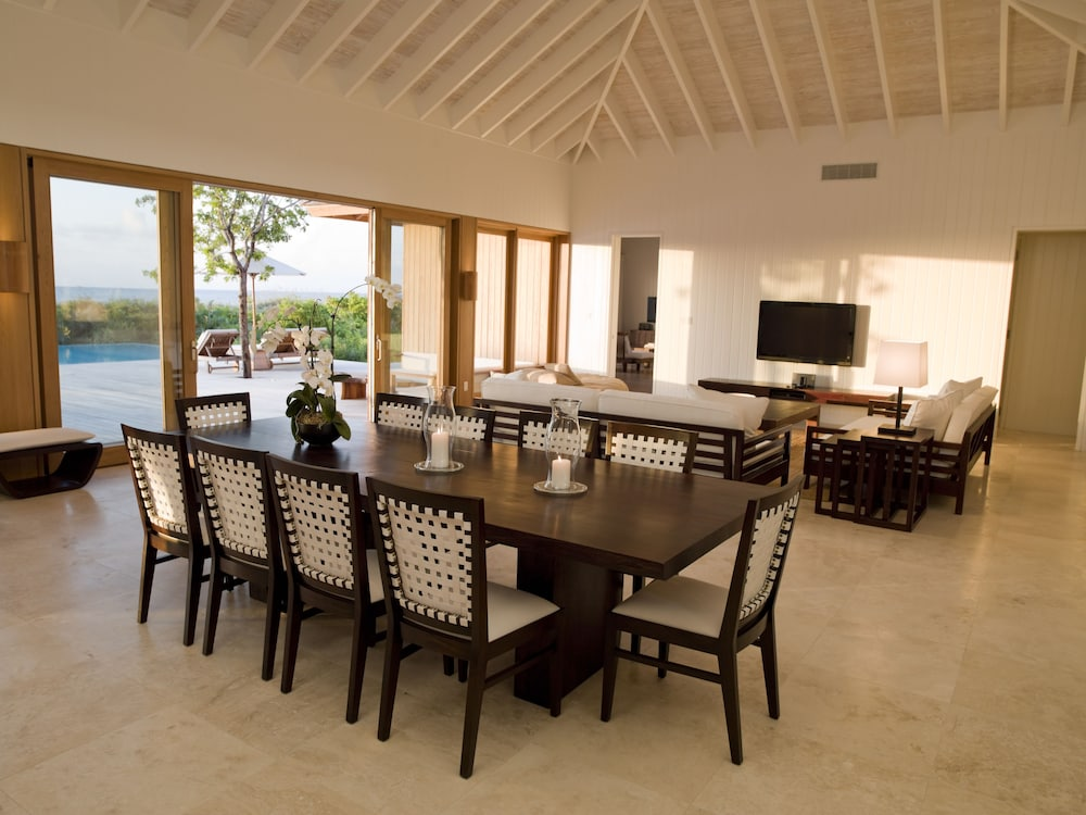 In-Room Dining, COMO Parrot Cay