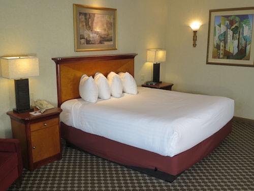 Great Place to stay Harrah's Joliet Casino & Hotel near Joliet
