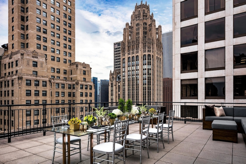 The gwen deals reviews chicago and vicinity wotif for Chicago hotel accommodation