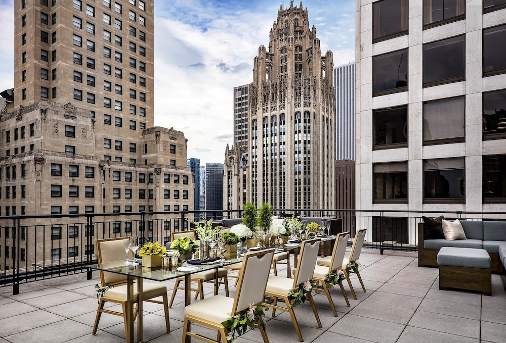 The gwen in chicago hotel rates reviews on orbitz for Chicago hotels best rates