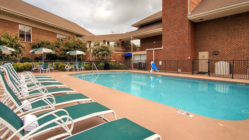 Pool, Best Western Plus Morristown Conference Center Hotel