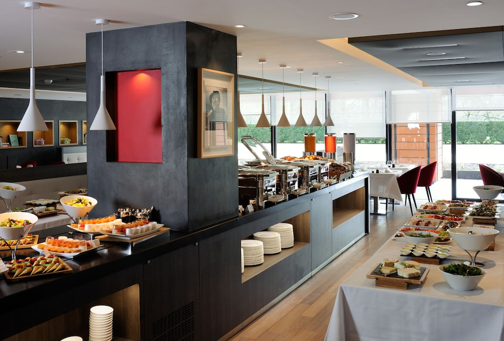 Breakfast buffet, Marriott Lyon Cité Internationale