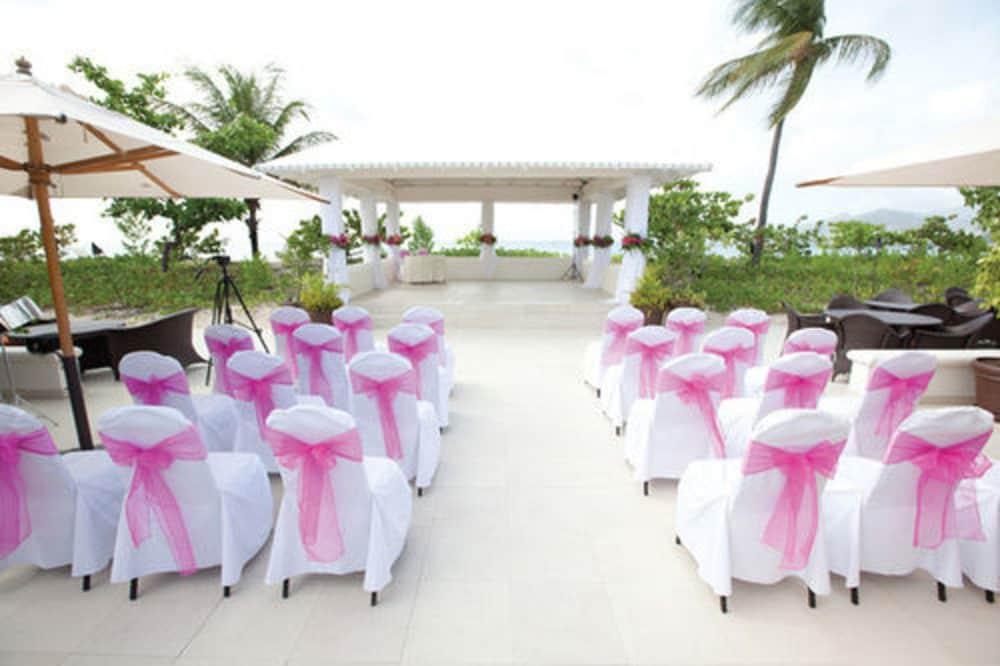 Outdoor Wedding Area, Spice Island Beach Resort All Inclusive