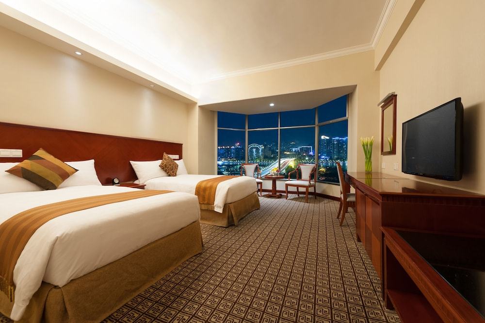 Ramada Pearl Hotel Guangzhou: 2018 Room Prices from $65, Deals ...