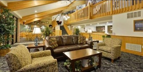 Lobby Lounge, American Inn and Suites