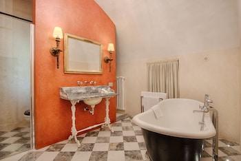 Via Porta Rossa 19, Florence, 50123, Italy.