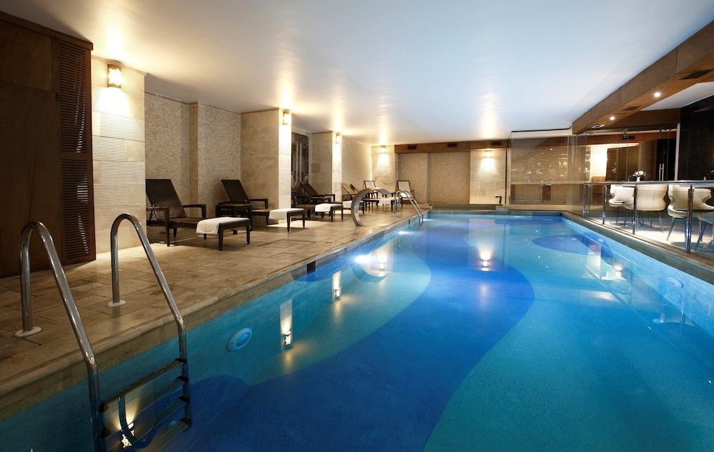 Indoor Pool, Darkhill Hotel