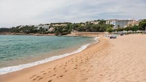 Plage à proximité, sable blanc