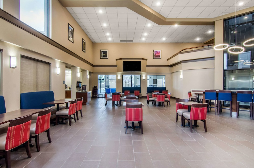 Breakfast Area, Comfort Inn & Suites