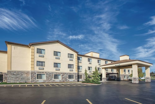 La Quinta Inn & Suites by Wyndham Erie