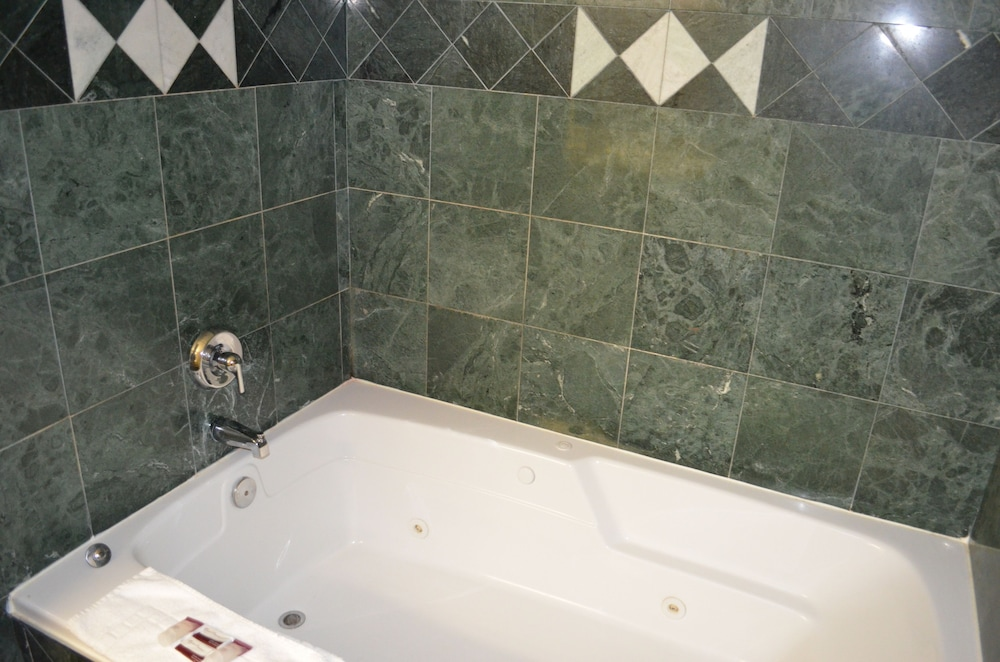 Jetted Tub, Comfort Inn Downtown