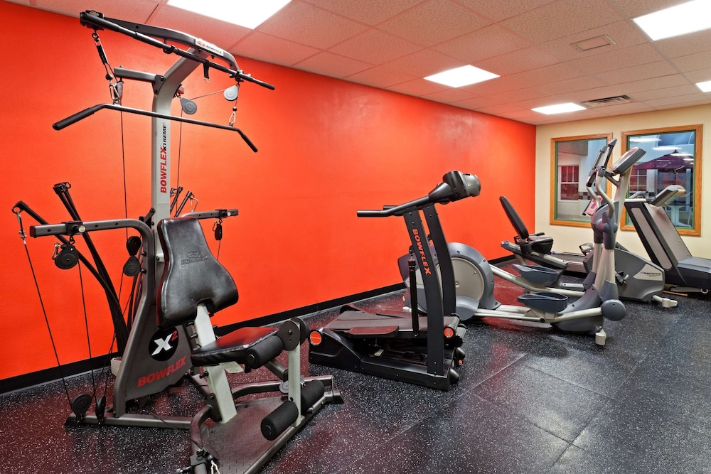 Fitness Facility, Country Inn & Suites by Radisson, York, PA