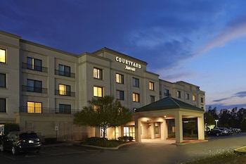 Courtyard by Marriott Buffalo Amherst/University