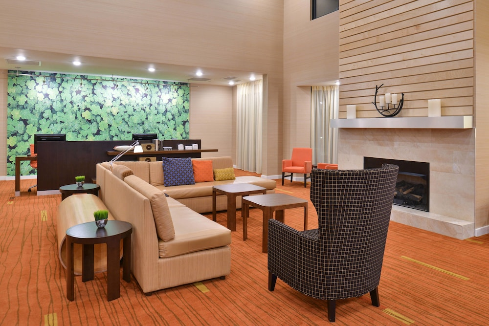 Lobby, Courtyard by Marriott Decatur