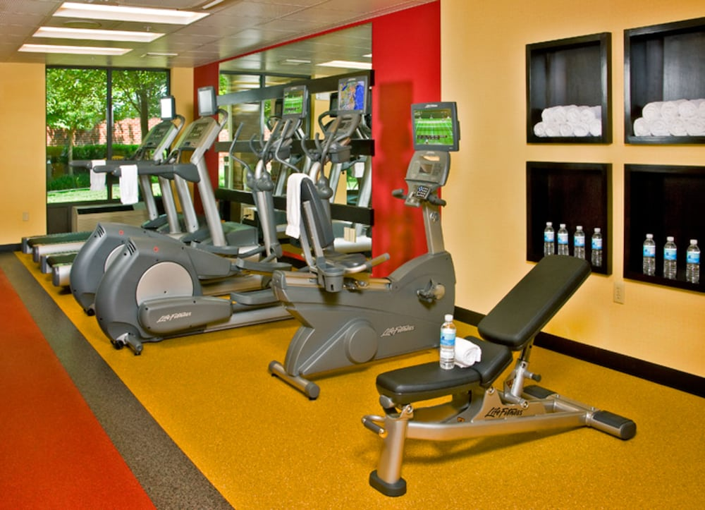 Health and Fitness : Gym 32 of 107