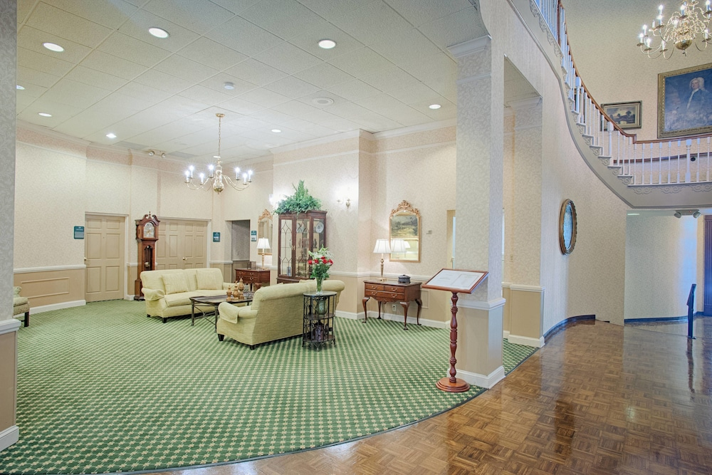 Lobby, Stone Mountain Inn