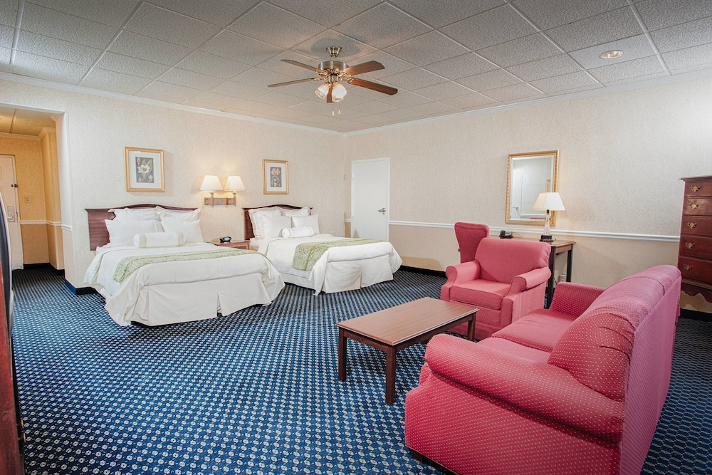 Room, Stone Mountain Inn