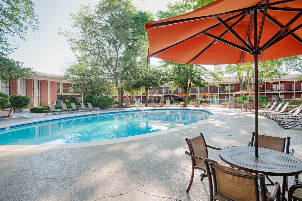 Outdoor Pool, Stone Mountain Inn