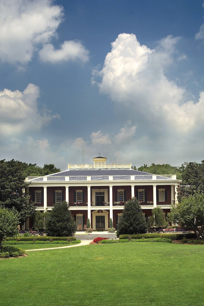Exterior, Stone Mountain Inn