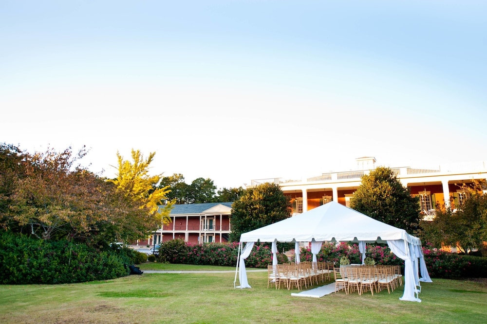 Outdoor Wedding Area, Stone Mountain Inn
