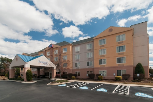 Great Place to stay Fairfield Inn by Marriott Columbia Northwest near Columbia
