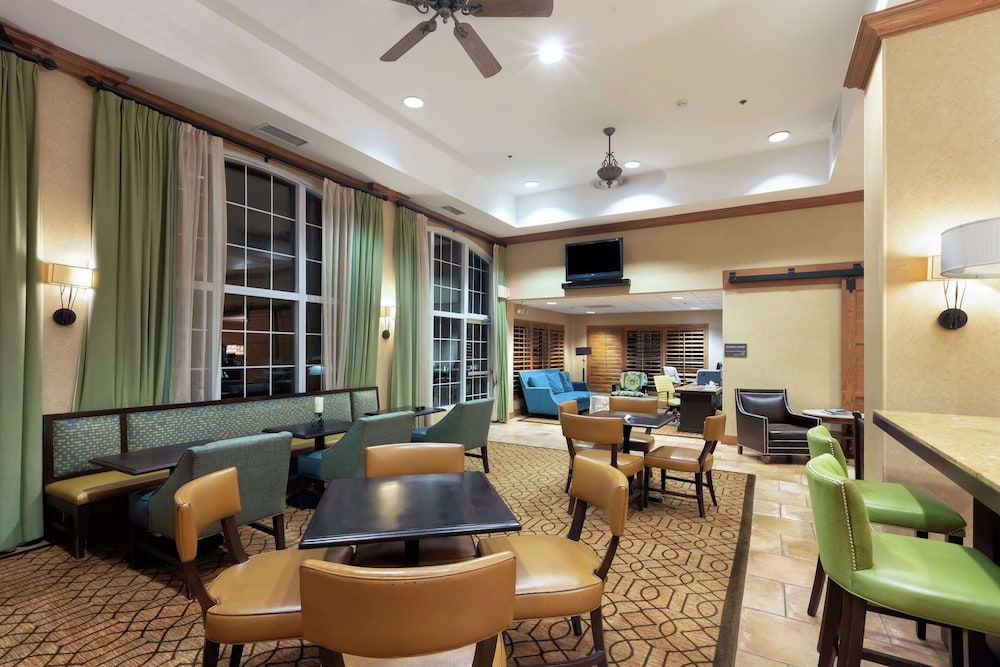 Lobby, Hampton Inn & Suites Austin-Airport