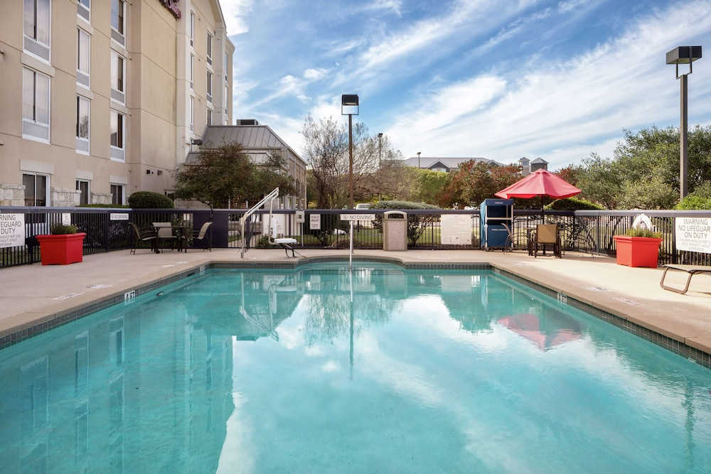 Pool, Hampton Inn & Suites Austin-Airport