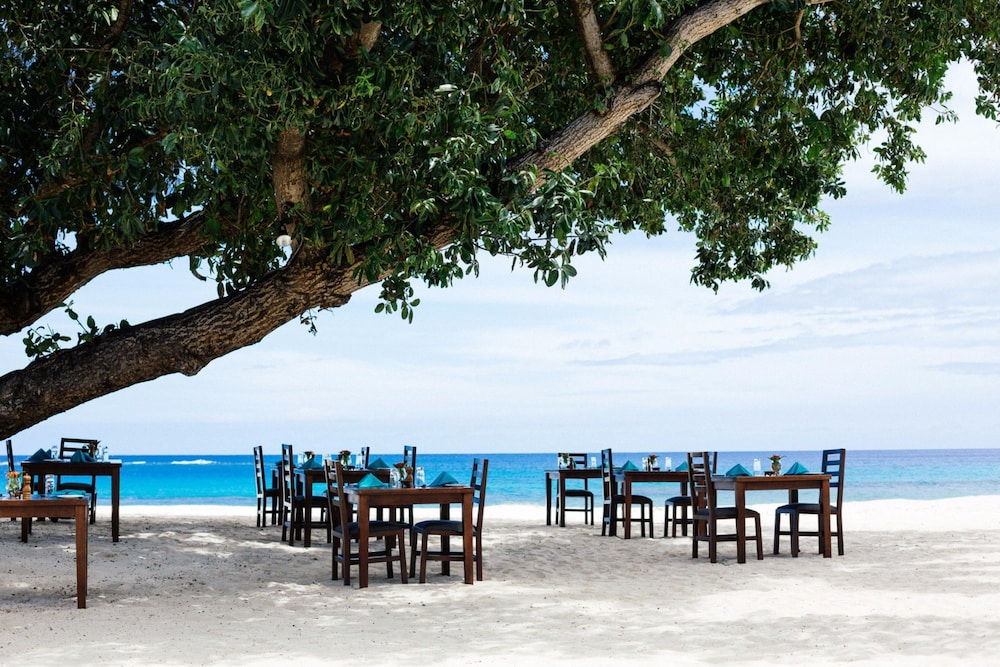 Restaurant, Yasawa Island Resort - All Inclusive