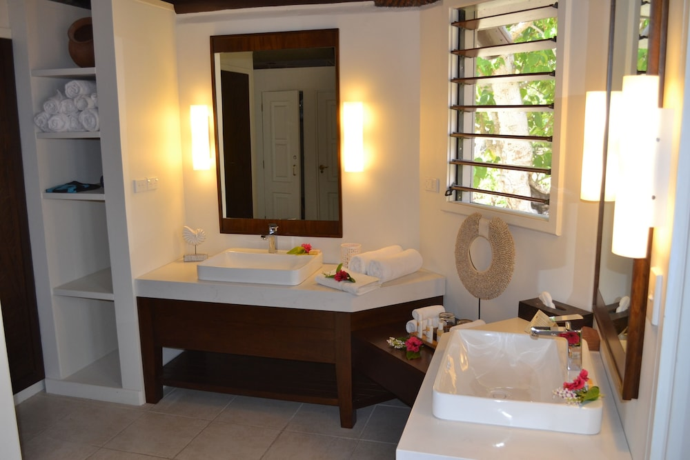 Bathroom Sink, Yasawa Island Resort - All Inclusive