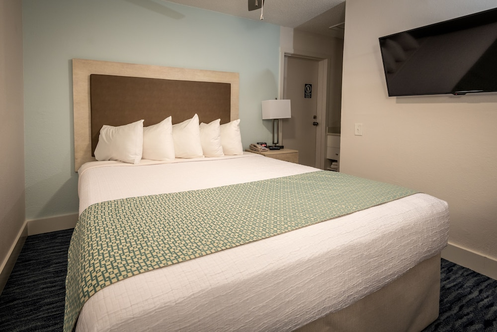 Room, Palmera Inn and Suites