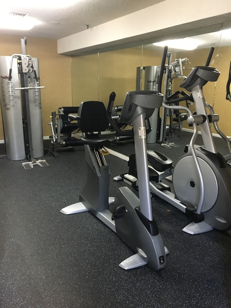 Fitness Facility, Palmera Inn and Suites