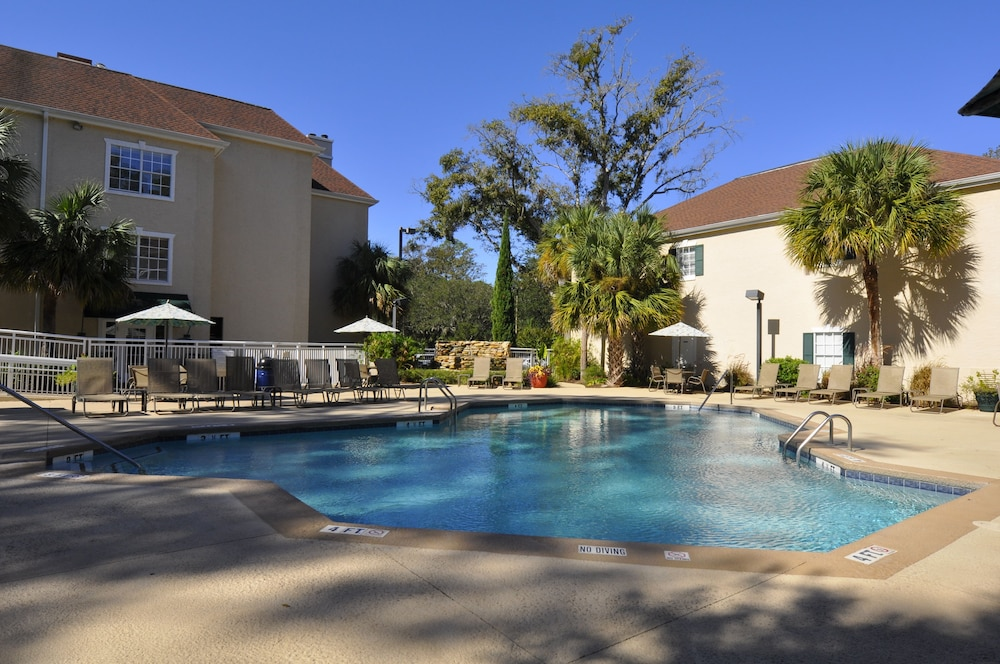 Outdoor Pool, Palmera Inn and Suites