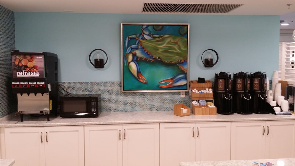 Breakfast Area, Palmera Inn and Suites
