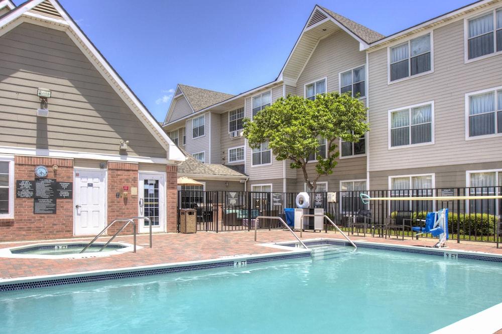 Outdoor Pool, Residence Inn by Marriott McAllen