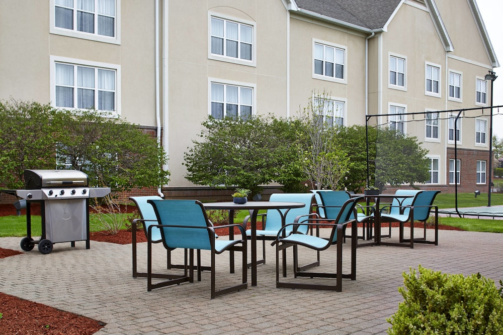 BBQ/Picnic Area, Residence Inn by Marriott Rochester West/Greece