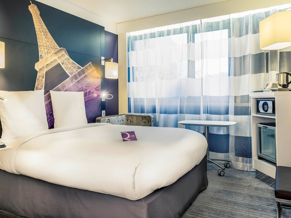 Mercure paris centre tour eiffel paris 20 rue jean rey 75015 for Living room 8 place jean rey