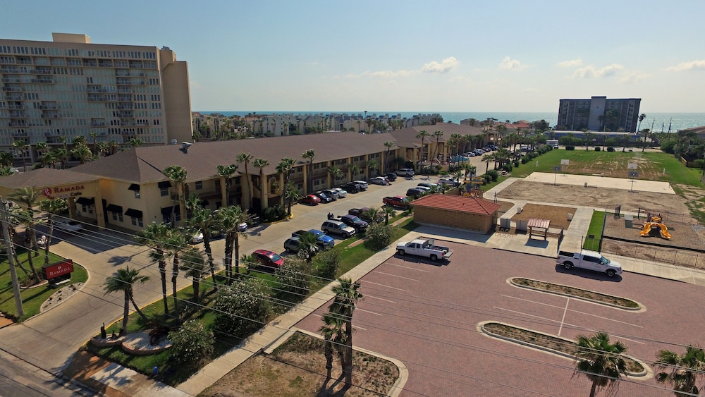 Property Grounds, Ramada by Wyndham & Suites South Padre Island