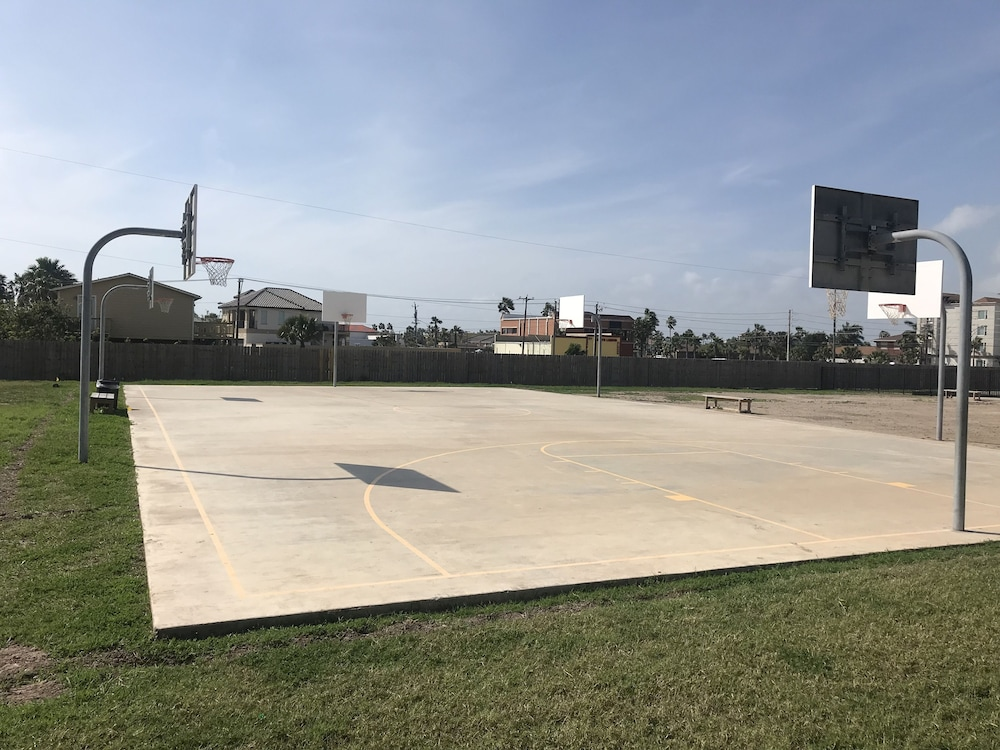 Sport Court, Ramada by Wyndham & Suites South Padre Island