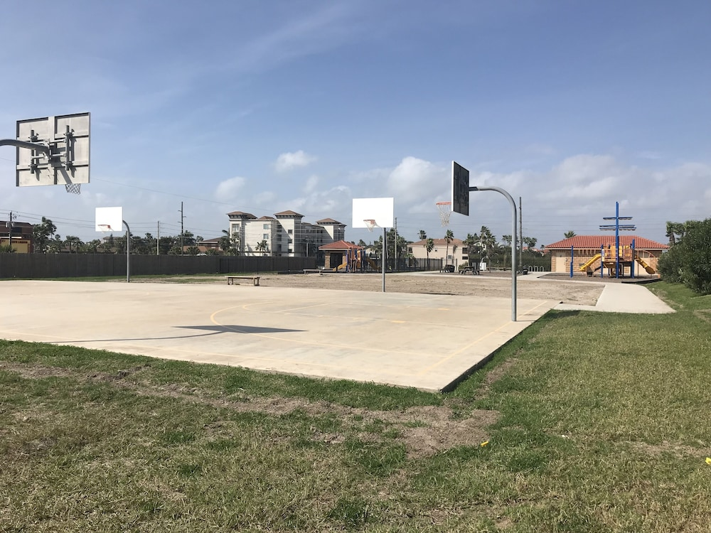 Basketball Court, Ramada by Wyndham & Suites South Padre Island