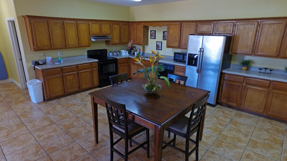 Private Kitchen, Ramada by Wyndham & Suites South Padre Island
