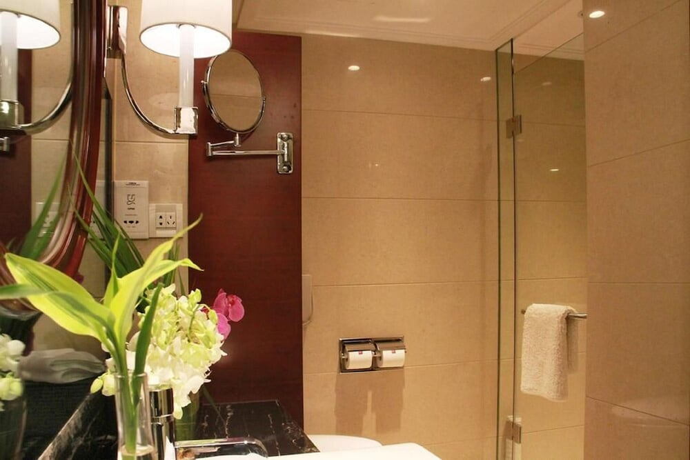 Bathroom, Central Hotel Shanghai
