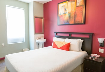 Double Room Single Use, Shared Bathroom - Guestroom