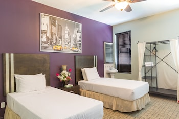 Standard Twin Room, Shared Bathroom - Guestroom
