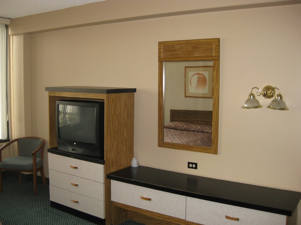 Room Amenity, North American Motor Inn