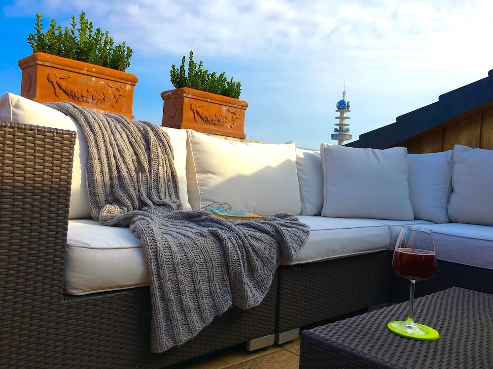 hotel loccumer hof in hannover hotel rates reviews on orbitz. Black Bedroom Furniture Sets. Home Design Ideas